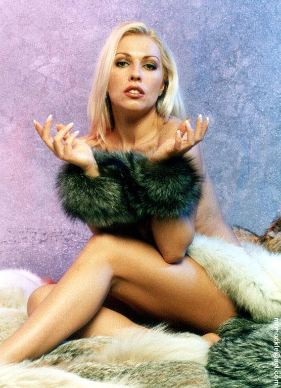 Lana Cox Nude Photos 26